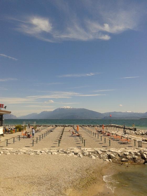 desenzanino beach, 15' on foot